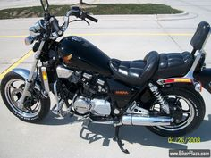 1986 Honda Magna 700c. One day my bike will look just as good as this.  Can't wait for spring!