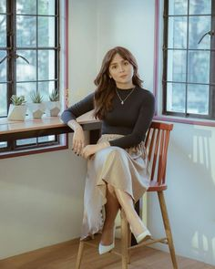 Kathryn Bernardo For Unisilver Campaign 2018 💛 Bernardo 🌟 Kathryn Bernardo Photoshoot, Kathryn Bernardo Outfits, Teen Celebrities, Celebs, Filipina Actress, Photoshoot Concept, Celebrity Stars, Asian Fashion, Girl Crushes