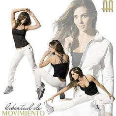 Deportivo sudadera blanca con chaqueta para caminar, yoga, pilates bailar, ejercicios de bienestar. Tendencia spoty chic o sport glam
