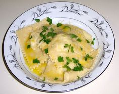 Homemade crab ravioli Crab Ravioli, Ocean Food, Main Dishes, Side Dishes, Great Recipes, Favorite Recipes, Tasty, Yummy Food, Time To Eat