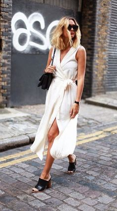 Less is definitely more! Minimalist is still totally on-trend thanks to Celine. If you want to try out a more polished and clean look for the hot summer months, then minimalism is what you really need