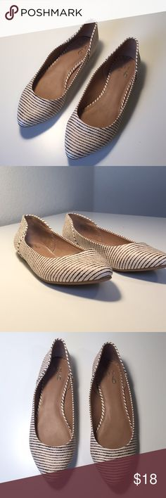 NWOT Mix No. 6 striped flats Cute cream colored flats with brown stripes. The flats have never been worn and are in excellent condition. Mix No. 6 Shoes Flats & Loafers