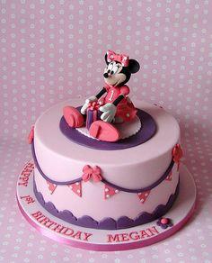 awesome disney cakes      Minnie Mouse Cake (by #RubyteaCakes)