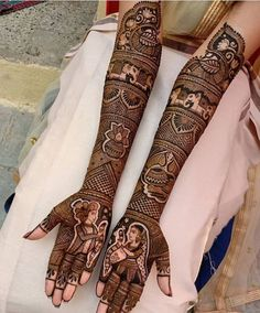 94 Easy Mehndi Designs For Your Gorgeous Henna Look Henna Hand Designs, Wedding Henna Designs, Full Mehndi Designs, Engagement Mehndi Designs, Latest Bridal Mehndi Designs, Legs Mehndi Design, Stylish Mehndi Designs, Mehndi Design Pictures, Mehndi Design For Bridal