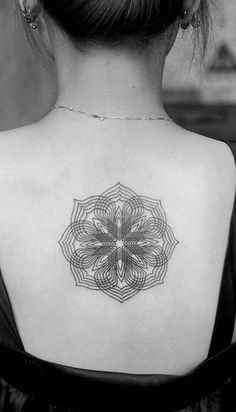 Arabesque Pattern Tattoo done with amazing technique.  I would love to see this in person.