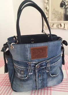 Jeans Taschen Denim Bags From Jeans, Denim Purse, Old Jeans, Denim Handbags, Leather Handbags, Blue Jean Purses, Linen Bag, Recycled Denim, Quilted Bag