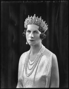 Queen Elena of Romania, née Princess of Greece and Denmark wearing Queen Sophie's Diamond Tiara. Romanian Royal Family, Greek Royal Family, Royal Tiaras, Tiaras And Crowns, Greek Royalty, Prince Héritier, Queen Sophia, Diamond Tiara, Casa Real