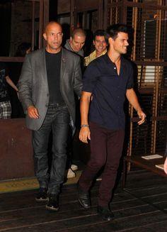 "Taylor Lautner promoting ""Twilight Saga: Breaking Dawn - Part 2"" in Rio de Janeiro, Brazil (October 24). / Taylor Lautner promocionando ""Twilight Saga: Breaking Dawn - Part 2"" en Río de Janeiro, Brasil (24 de octubre)."