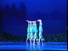 """Amazing Skill shown by these 4 great dancers. Chinese Swan Lake: """"The four little swans turned into four small frogs"""" Small Frog, Ballerina Barbie, Chinese Dance, Kinds Of Dance, Pretty Ballerinas, Dance Humor, The Four, Lets Dance, Swan Lake"""