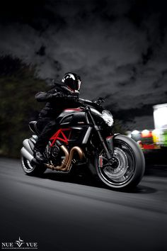 """Ducati Diavel Rig Shot"" by Nue Vue, via 500px. I like the name itself....it's so lyrical;""ducati"""