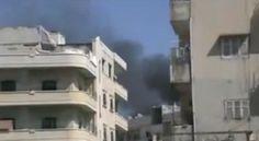 SÍRIA: TANQUES E SNIPERS VOLTAM A MATAR EM HOMS CENTRAL 18:59  SAULO VALLEY      O segundo dia da chegada dos Observadores das Nações Unidas no país foi marcado com bombardeios por mísseis que chegaram a ser contados 14 mísseis em 4 minutos em Homs. Há poucos minutos no fim da tarde desta terça-feira, a volta dos snipers e tanques do exército para a praça central da província... Por Saulo Valley -Rio de Janeiro, 17 de Abril de 2012 - 17h47min. GMT-3 Ainda...