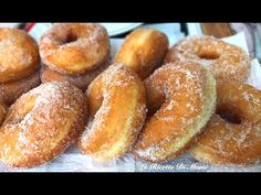 IS PARAFRITTUS O FRATI FRITTI   RICETTA SARDA PER CARNEVALE   CIAMBELLE SOFFICI SENZA PATATE - YouTube Biscuits, Antipasto, Churros, Frittata, Doughnut, Sweet Recipes, Donuts, Menu, Bread