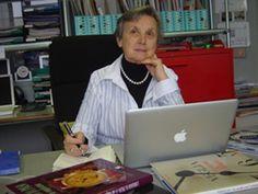 Giselle Rufer in biblioteca   soloPolso Women, Women's, Woman