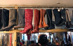 Vintage boots at Chinemachine. It's so much fun to shop here... © Gabriela Plump