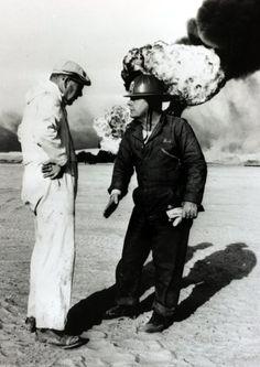 Adair wurde am 18. Juni 1915 als Sohn eines verarmten Schmieds in Houston, Texas, geboren. Ohne Abschluss von der Schule gegangen, schlug sich der spätere Feuerwehrmann als Pferdefänger, Lieferjunge und Eisenbahnarbeiter durch, bis er 1940 Arbeit auf den Ölfeldern fand. Auf dem Foto ist er 1965 in Libyen zu sehen.