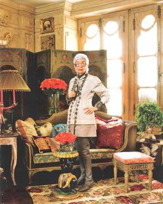 Iris Barrel Apfel in her New York city apartment. Fashion muse, decorator