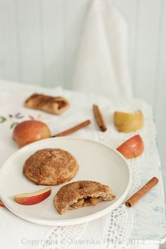 Pocket apple pies with rye flour