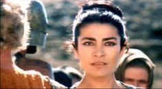 more eye inspiration; Irene Papas, the Trojan Women - 1971 Irene Papas, How To Influence People, Beautiful Gorgeous, Ancient Greece, Wonders Of The World, Famous People, Actors & Actresses, Cinema, Medusa