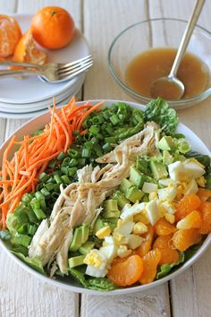 Asian-Style Cobb Salad – This salad serves as the perfect light meal, full of protein and veggies with a simple sesame vinaigrette! Asian-Style Cobb Salad – This salad serves as… Easy Salad Recipes, Easy Salads, Healthy Salads, Asian Recipes, Healthy Eating, Healthy Recipes, Healthy Life, Healthy Food, Cobb Salad