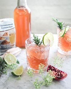 granaattiomena-lime sima I Pomegranade mead I granaattiomenasima I sima I vappu I inspiraatio I resepti I ohje I granaattiomena I lime I rosmariini I idea I ruokakuvaus I valokuvaus I ruokablogi I Mayday I mead I mocktail I drink I food photography May Celebrations, Virgin Drinks, Beltane, Yams, Goodies, Tasty, Treats, Vegan, Fruit