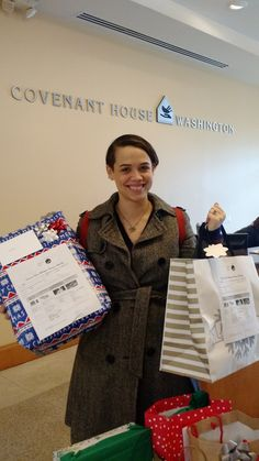 Our Commercial Relations Manager, Ariel Bramble, getting in the #Santa spirit as she drops off gifts from the Fairtrade America staff to the Covenant House. 🎁