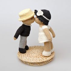 Kissing Dolls Amigurumi Pattern
