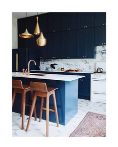 """586 mentions J'aime, 4 commentaires - Nicole Franzen (@nicole_franzen) sur Instagram: """"This kitchen 💙 a story from @dominomag this fall of @homeworkdesignshop beautiful home in Nopa…"""""""