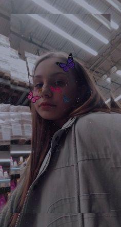 Fake Girls, Aesthetic Girl, Instagram Story, Photos, Cute, Smileys, Catfish, Girls Girls Girls, Little Girls