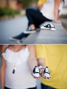 Cute maternity poses with baby shoes! Baby Bump Photos, Newborn Pictures, Maternity Pictures, Pregnancy Photos, Baby Pictures, Unique Maternity Photos, Maternity Photography Poses, Maternity Poses, Maternity Portraits