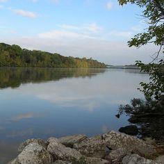 Какая река в Соединенных Штатах является самой длинной? Миссури! Миссури является самой длинной рекой в Северной Америке. Длинна составляет 3.768 км, а это больше, чем Миссисипи (3,544 км). Вместе с Миссисипи создает третью самую длинную речную систему в мире после Нила и Амазонки.