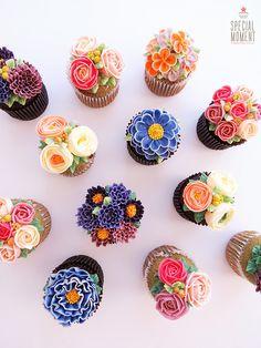 #flowercupcake #buttercream #piping #specialcupcake #cupcakedecorating #vancouverbuttercreamcake #specialmomentcake #specialmoment #floralcupcake