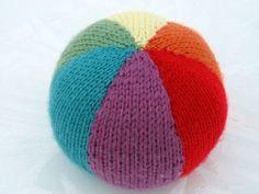 knit ball for baby Knitting For Kids, Knitting Projects, Baby Knitting, Knitting Patterns, Craft Projects, Toy Craft, Christmas Knitting, Baby Blanket Crochet, Stuffed Toys Patterns