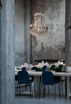 Das Carlo e Camilla ist Restaurant und Bar zugleich – im historischen Sägewerk. AD zeigt Industrielle Dekadenz im italienischen Hier und Jetzt.