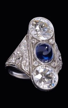 A Belle Epoque sapphire and diamond ring, late 19th century - early 20th century. #BelleÉpoque #ring