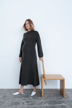 Maternity Wear, Maternity Dresses, Maternity Fashion, Minimal Dress, Mom Dress, Merino Wool Sweater, Zara United States, Dress Collection, Minimalism