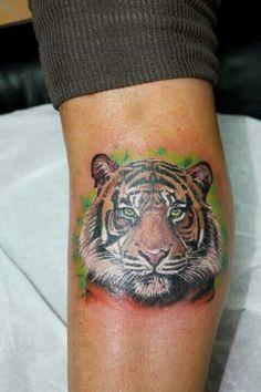 Realistic tiger  tattoo  afiordipelle tattoo il macchinetta