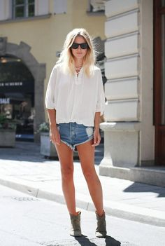 casual shorts and boots outfit