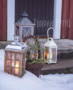 Lanterns outside my cottage door. Cottage Door, Winter House, Lanterns, Doors, Table Decorations, Life, Furniture, Home Decor, Decoration Home