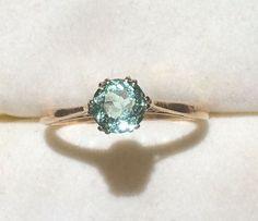 100+ Simple Vintage Engagement Rings Inspiration https://bridalore.com/2017/05/03/100-simple-vintage-engagement-rings-inspiration/