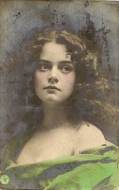 portrait of an unknown lady - photo has a copyright date of 1897, and is printed on a postcard from 1915 and can alsoo be found in  the Australian National Museum