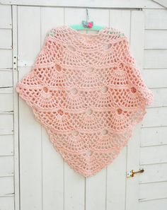 In my last post, I shared a free pattern for a shawl byMYpicoton Ravelry. It's such a LOVELY pattern. Here's Coco Rose Textile's version.