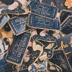 Le Male, Masquerade Party, Cool Pins, Hard Enamel Pin, Pin And Patches, Packaging Design Inspiration, Ravenclaw, Pin Collection, The Dreamers