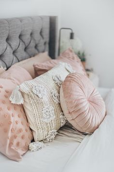 16 trendy design home bedroom pillows Home Decor Outlet, Cheap Home Decor, Diy Home Decor, Bedroom Decor On A Budget, Pink Pillows, Throw Pillows For Bed, Floor Pillows, Velvet Pillows, Designer Throw Pillows