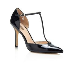 Discover the Guess Shoes Spring Collection: sandals, court shoes, open toe shoes, sneakers and Flat Sandals, Wedge Shoes, Stiletto Heels, High Heels, Guess Shoes, Shoe Collection, Sneakers Fashion, Footwear, Pumps