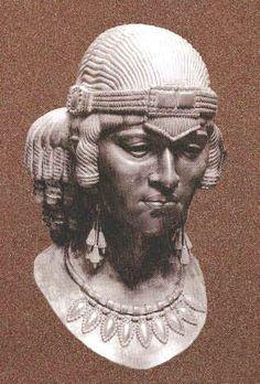 Assyrian Staues in Museums Sumuramat (Shamiram) Assyrian Queen,805-801 BC