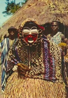 Africa Guéré Wobé mask from the Ivory Coast Scanned postcard image African Life, African Culture, African Art, Arte Tribal, Tribal Art, Afro, Liberia, Tribal Images, Tribal People