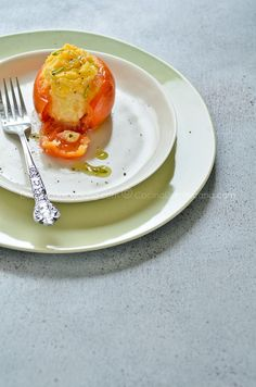 Tomates rellenos de puré de papas con queso e hierbas