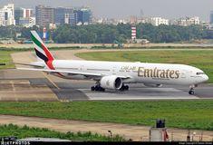Photo of - Boeing - Emirates Emirates Airline, Boeing 747 200, Flight Deck, Photo Online, A Decade, Airplane, Aviation, Aircraft, Luxury Jets
