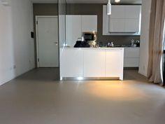 Tecno Superfici, ha realizzato a Riccione questo elegante pavimento in resina monocromatico. Invidiabile non trovate?