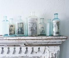 Displaying Vintage Photos in Glass Bottles and Jars Looking for the perfect way to decorate that bare mantle, bookshelf or window sill? Try using old bottles as a creative and cheap way to display lovely old photographs. Vintage Bottles, Bottles And Jars, Vintage Glassware, Glass Bottles, Antique Bottles, Mason Jars, Apothecary Bottles, Canning Jars, Vintage Perfume